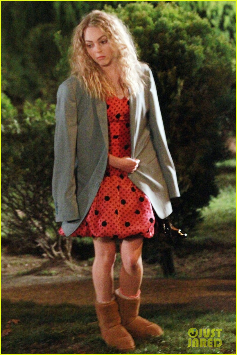 annasophia robb barefoot for the carrie diaries 042641630