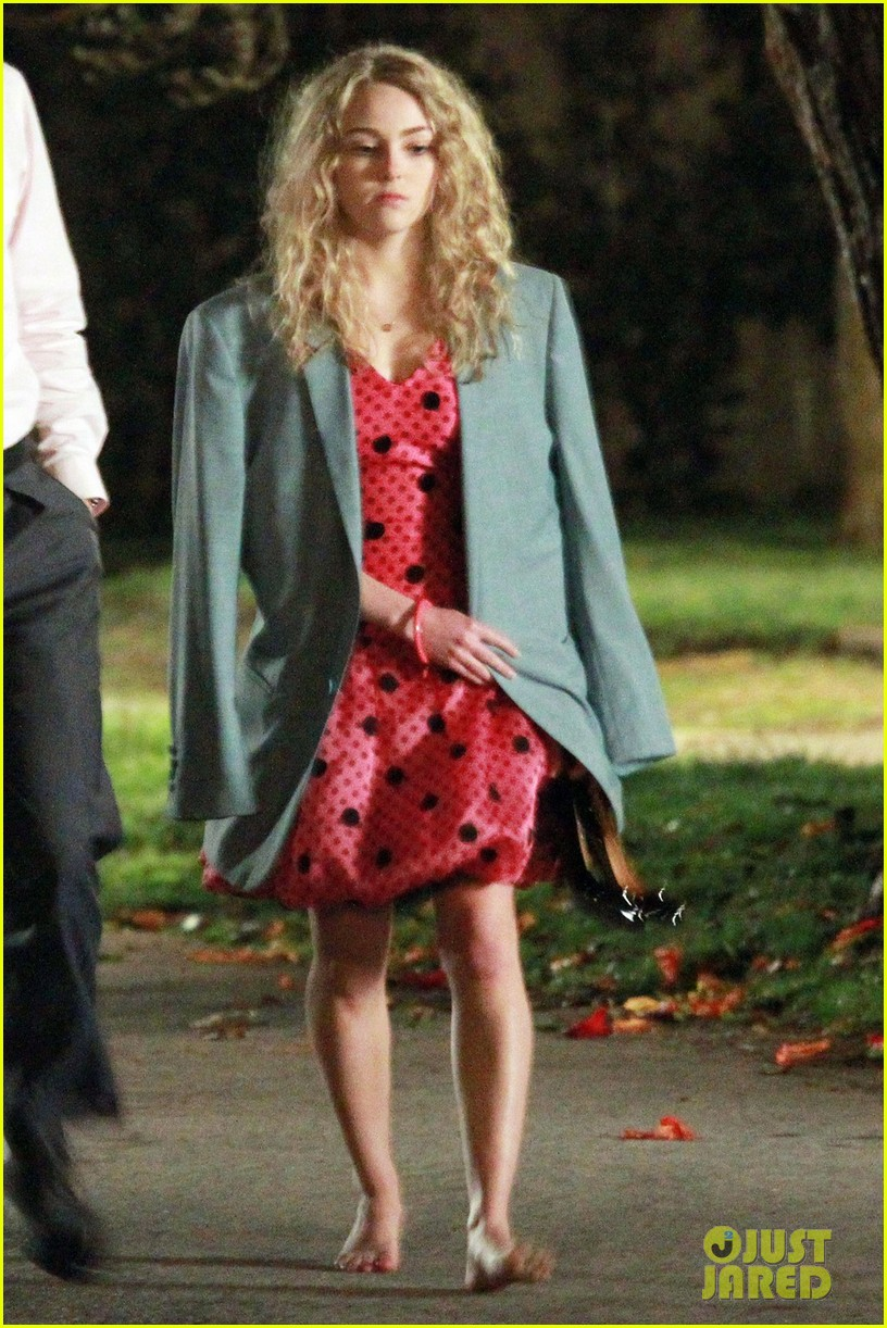 annasophia robb barefoot for the carrie diaries 062641632