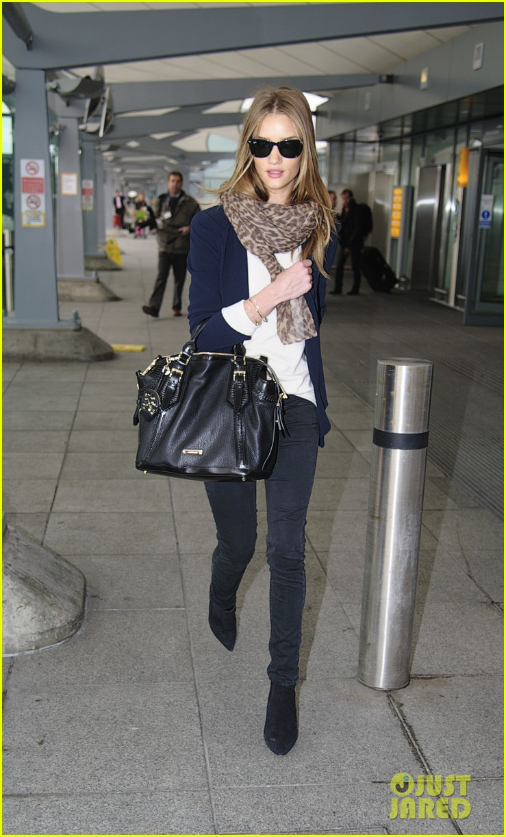 rosie huntington whiteley airport jason statham 04