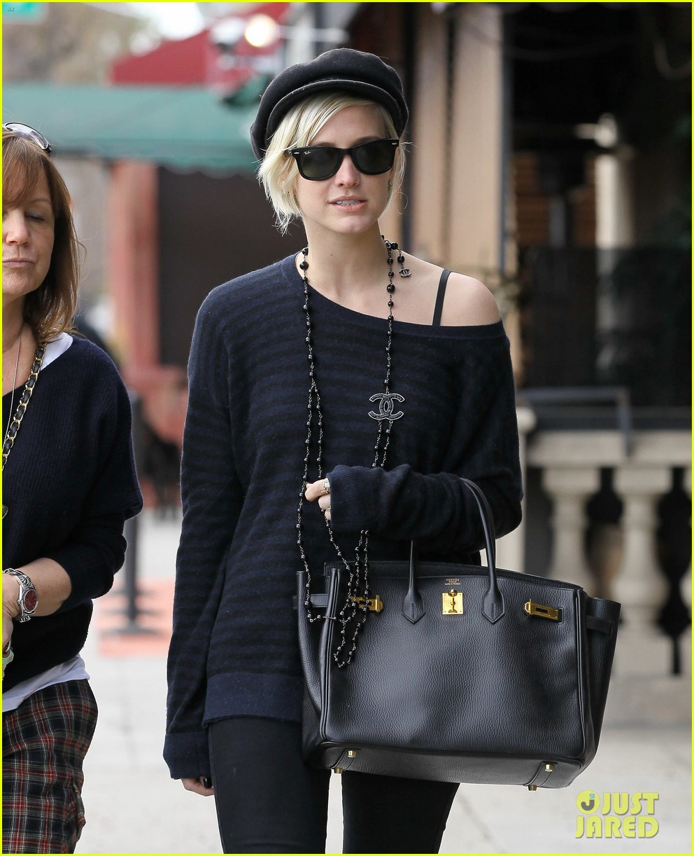 ashlee simpson lunch mom tina 022636933