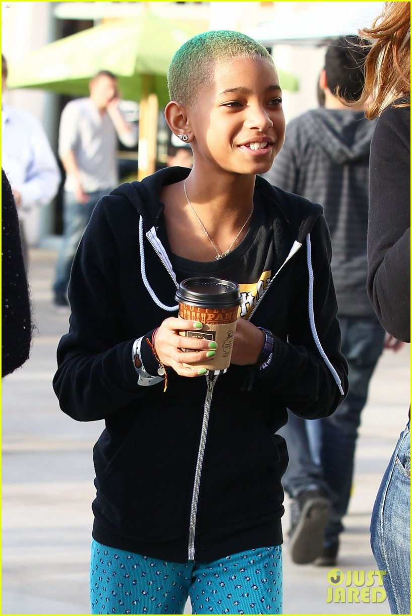 willow smith green haired girl 10