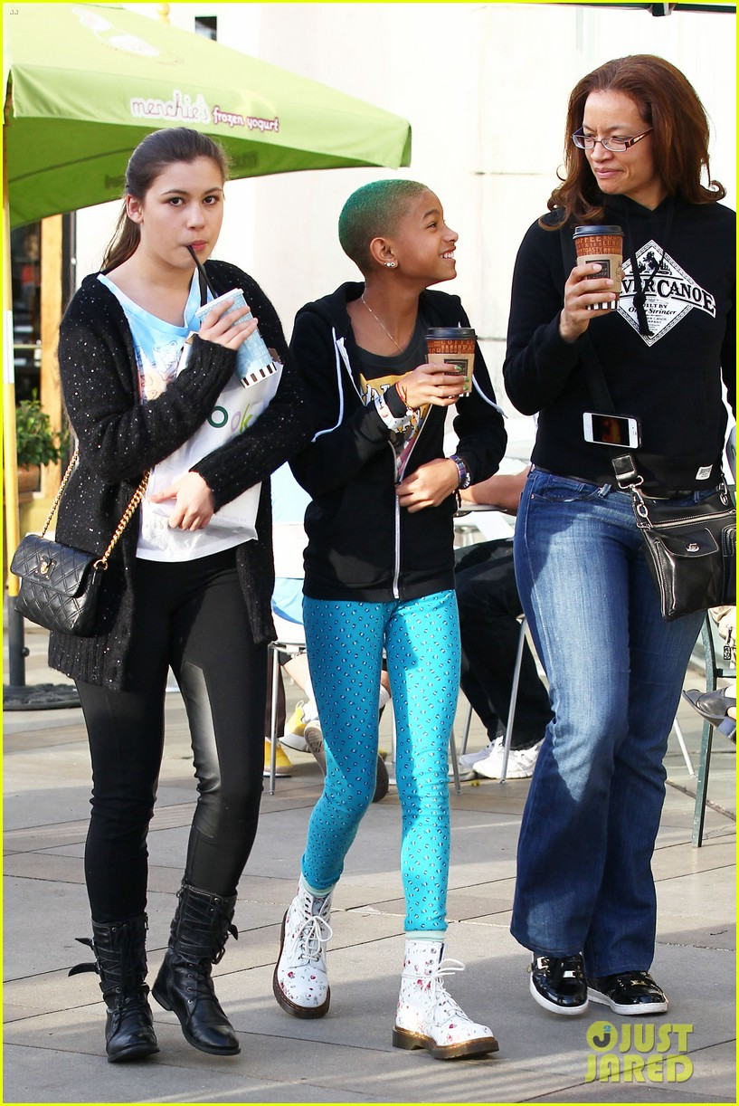 are willow smith and ray dating