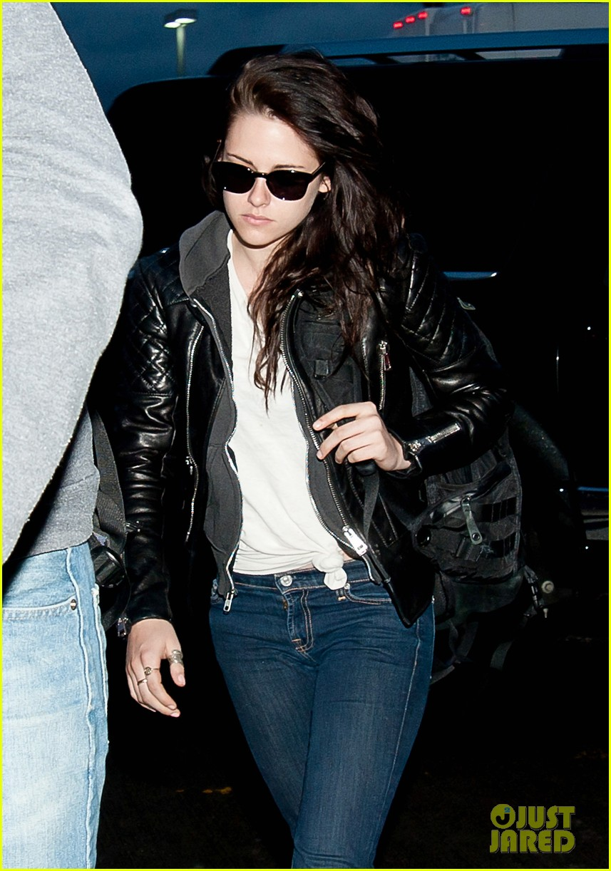 kristen stewart leaving lax 012640251