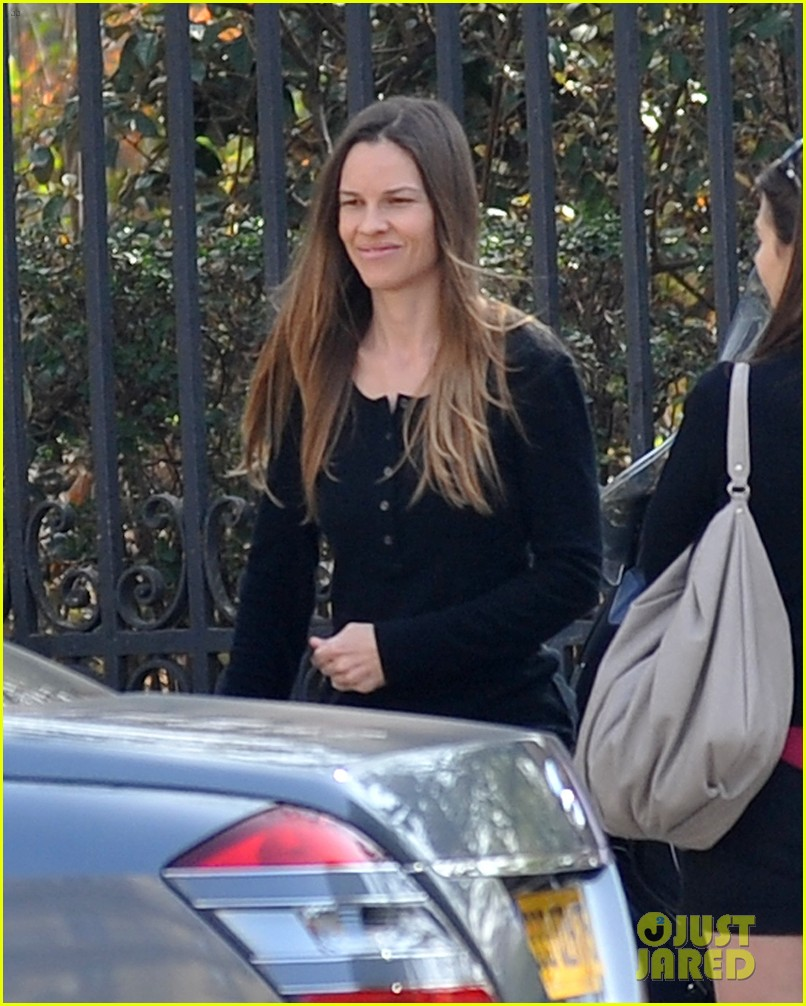 hilary swank charles de gaulle arrival 012641833