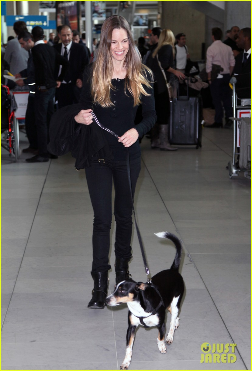 hilary swank charles de gaulle arrival 022641834