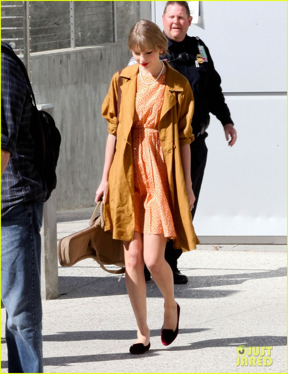 taylor swift lax 032640443