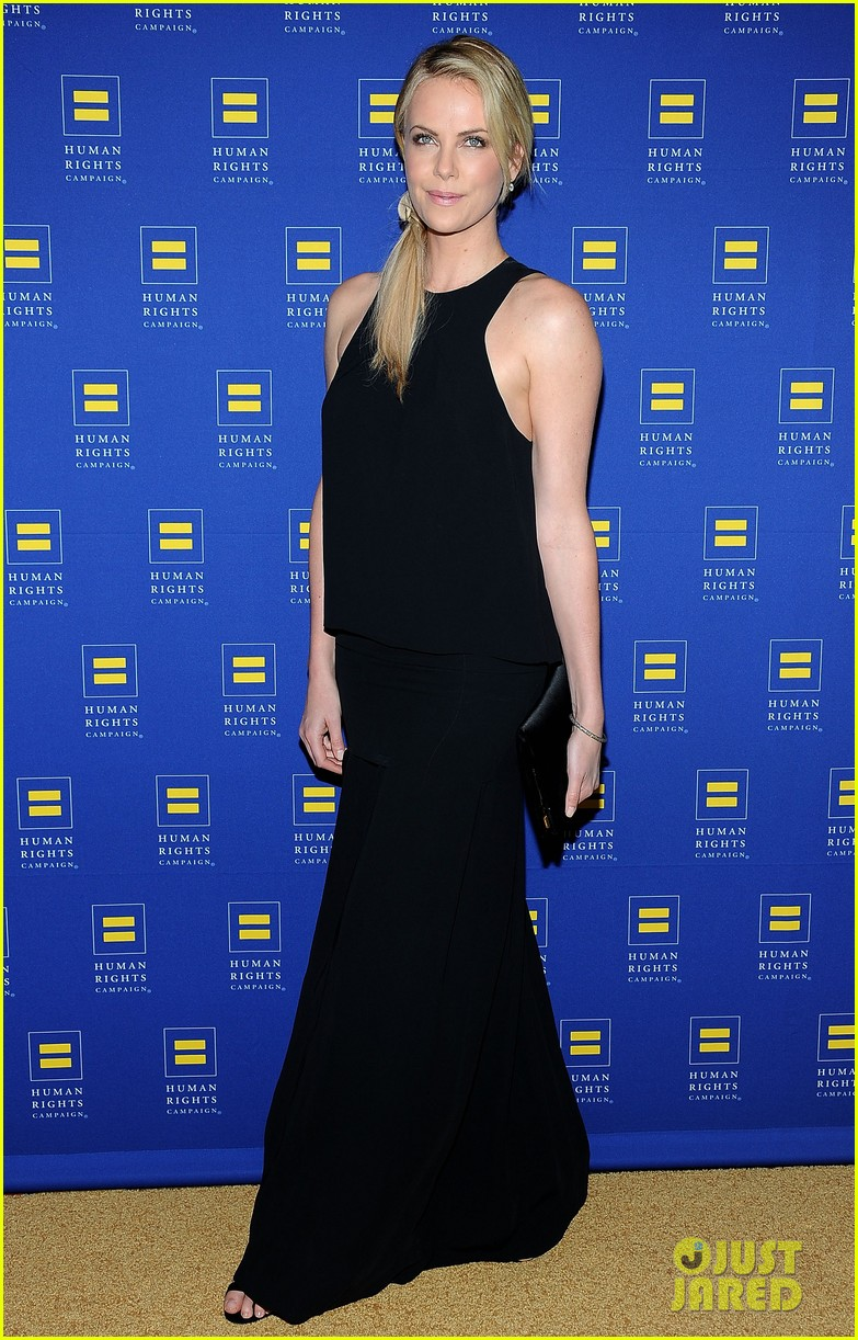 charlize theron hrc los angeles gala 062640026