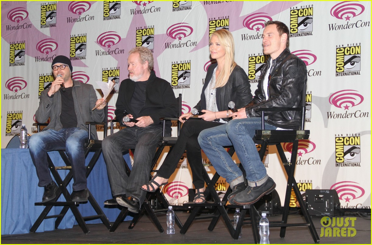 charlize theron michael fassbender prometheus panel wondercon 012639926