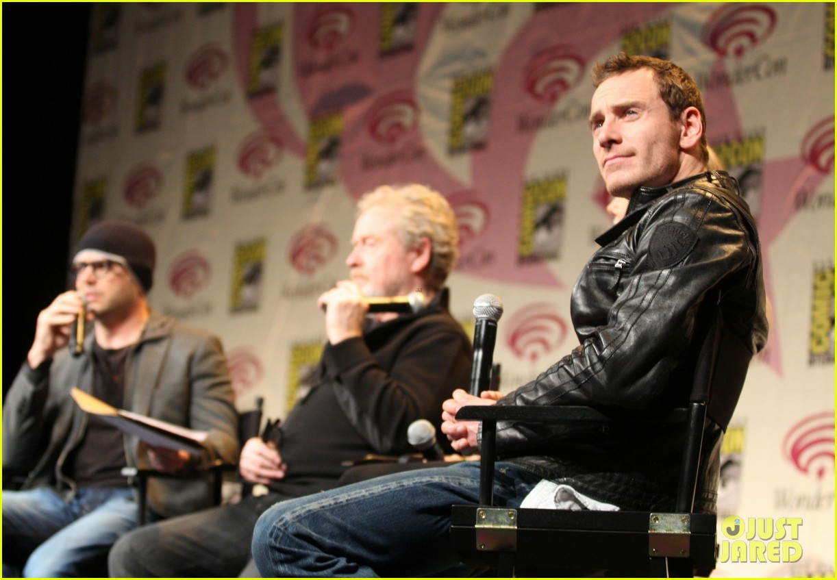 charlize theron michael fassbender prometheus panel wondercon 022639927