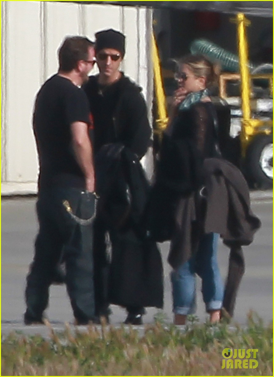jennifer aniston justin theroux la landing john varvatos 052638029