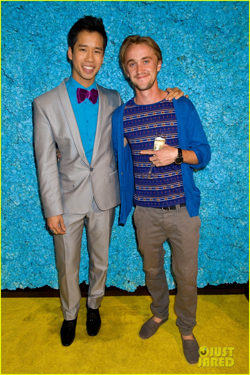 tom felton just jared 30th birthday bash 02