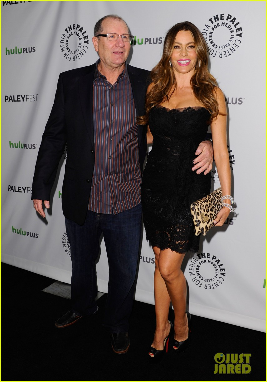 sofia vergara modern family cast at paleyfest 022639131