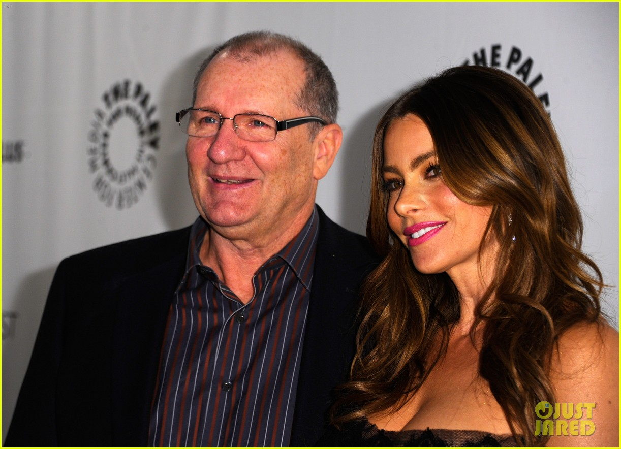 Who is dating sofia from modern family, naked girls in fast boats