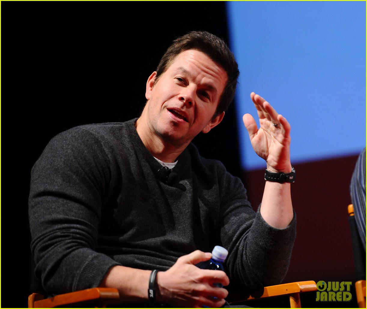 mark wahlberg a conversation with seth macfarlane 05