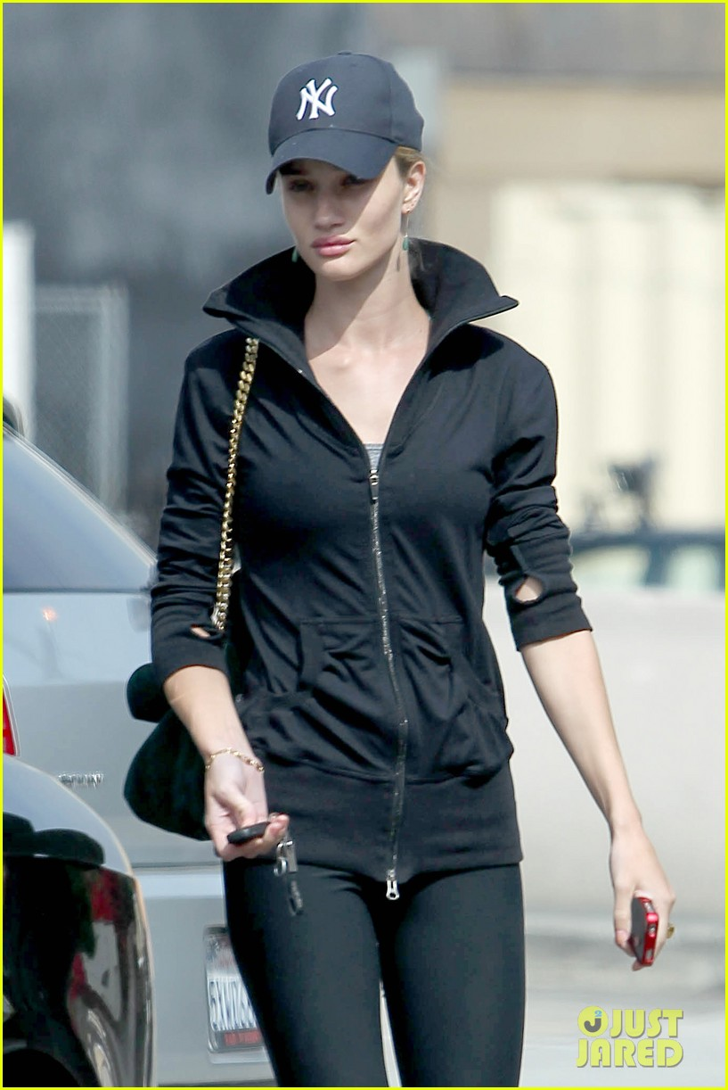 rosie huntington whiteley gym time 02