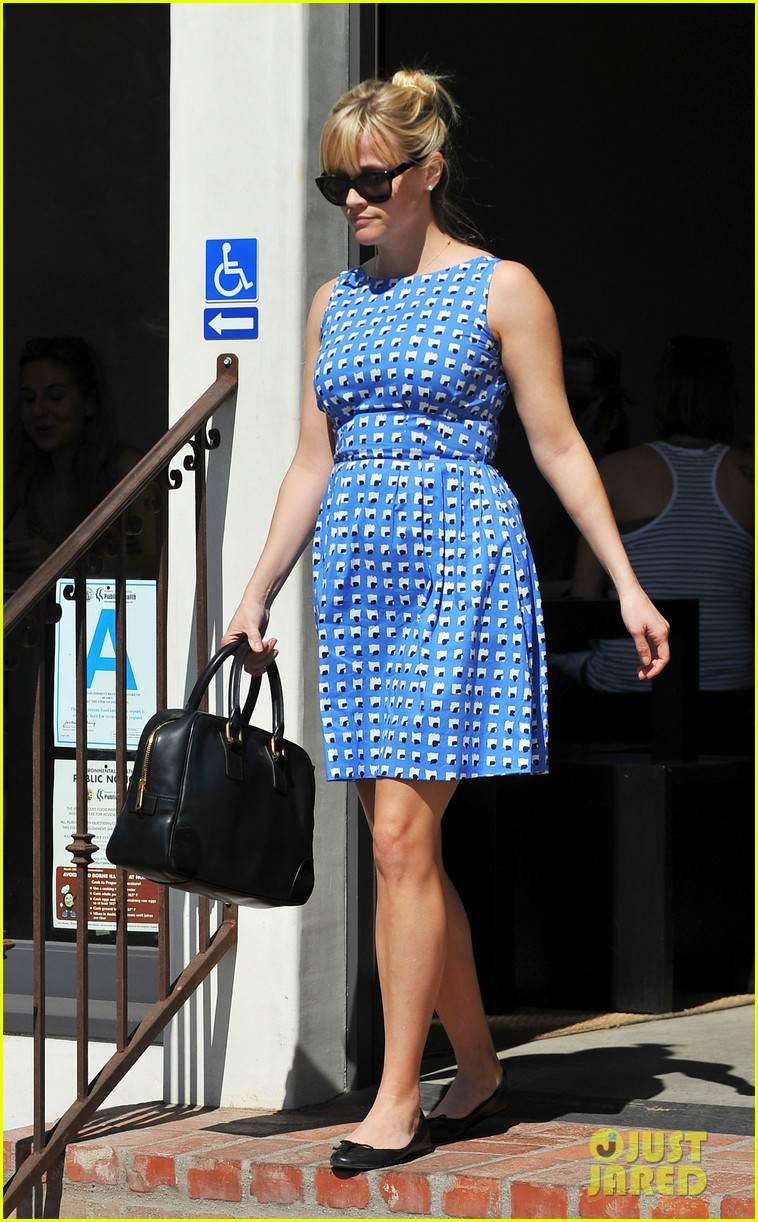 reese witherspoon family church outing 092636076