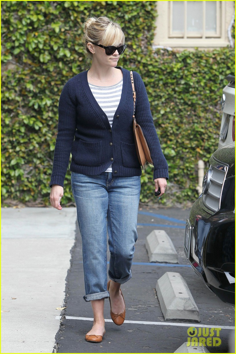 reese witherspoon le pain quotidien 032636584