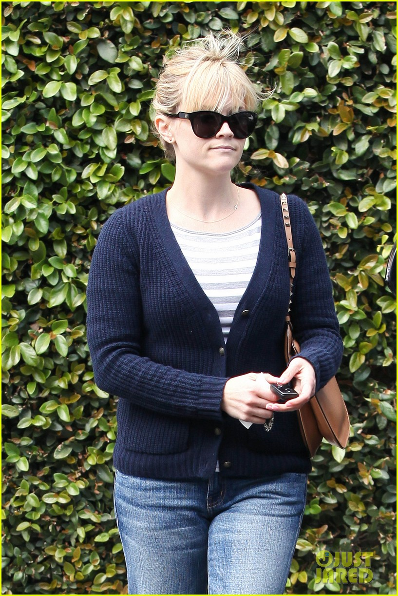 reese witherspoon le pain quotidien 042636585