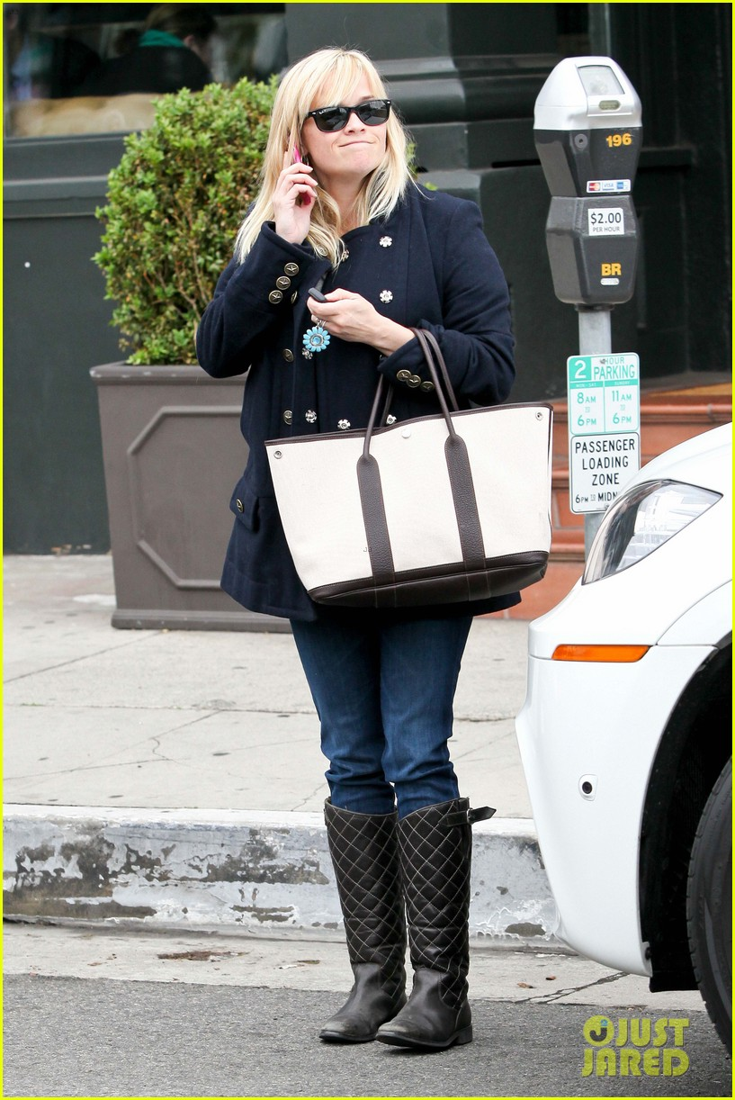 Reese Witherspoon Talks After Tavern Lunch Reese Witherspoon