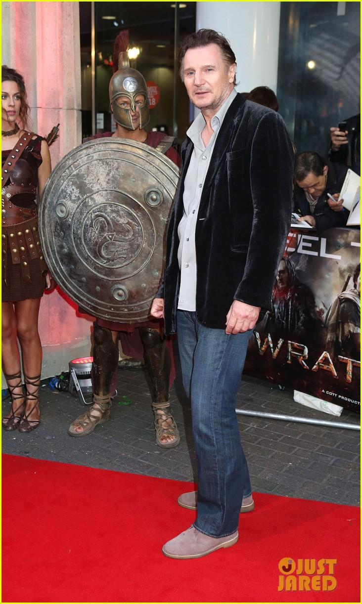 sam worthington wrath of the titans london premiere 042643499