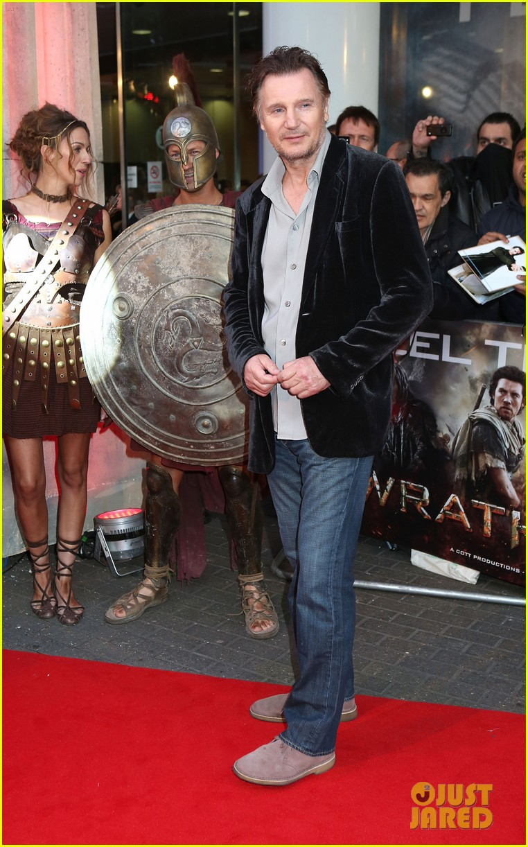 sam worthington wrath of the titans london premiere 062643501