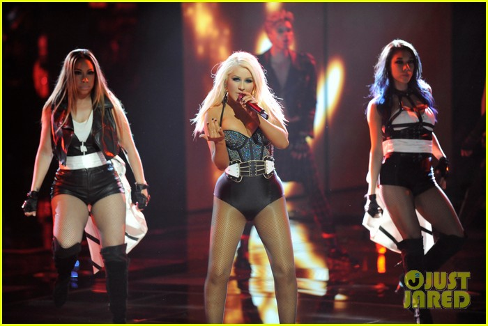 christina aguilera fighter the voice 03