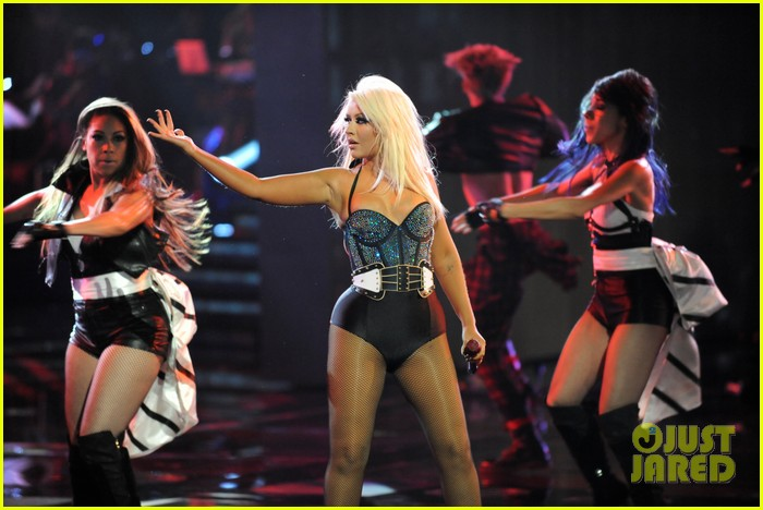 christina aguilera fighter the voice 04