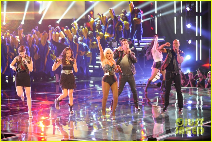 christina aguilera fighter the voice 072650044