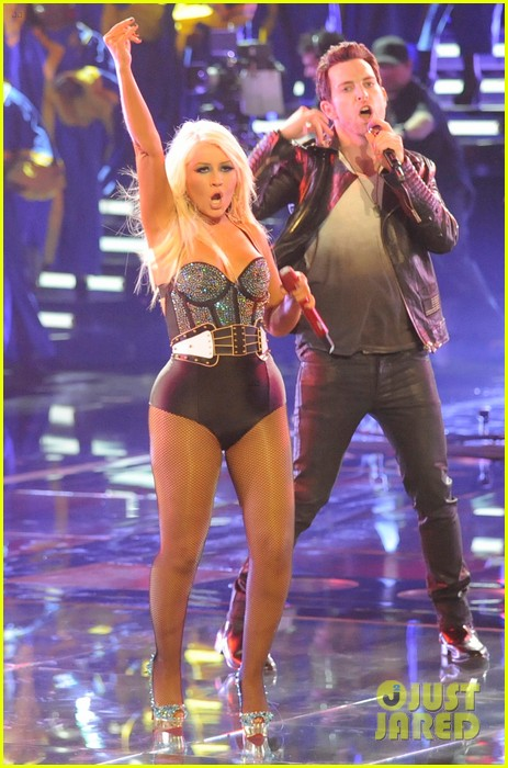 christina aguilera fighter the voice 092650046