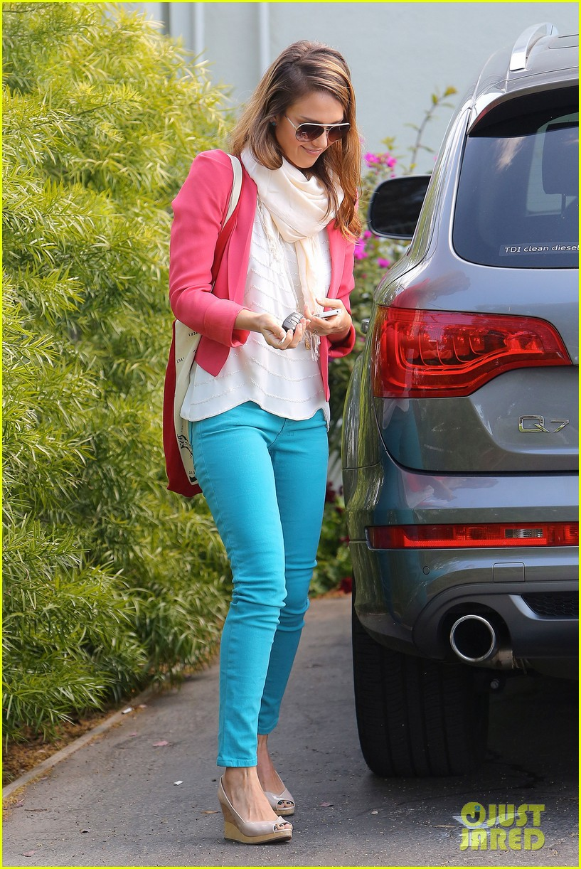 jessica alba pretty in pink 01