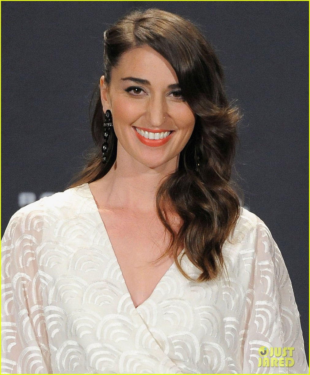 sara bareilles rock and roll hall of fame induction 022649102