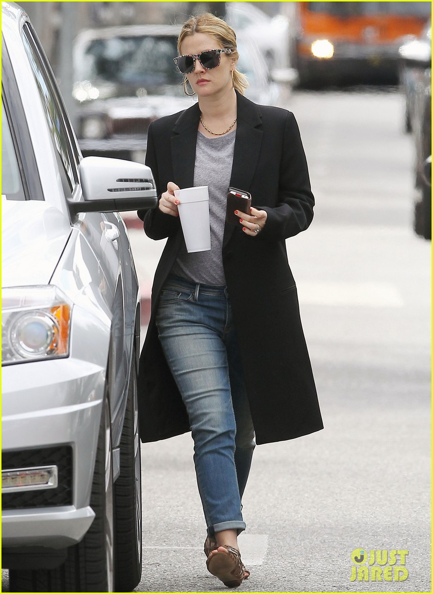 drew barrymore leaving office 012654190