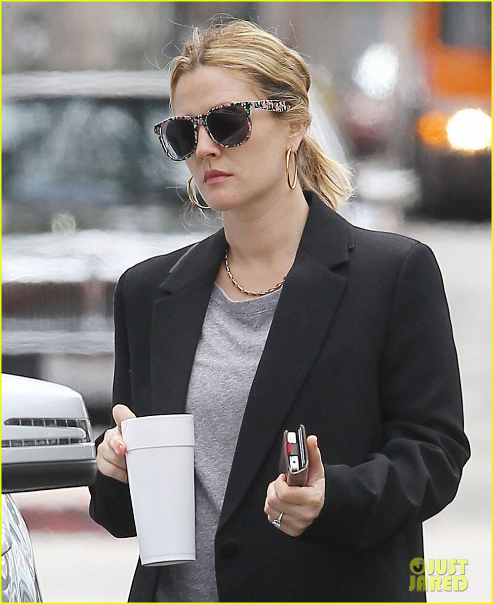 drew barrymore leaving office 02