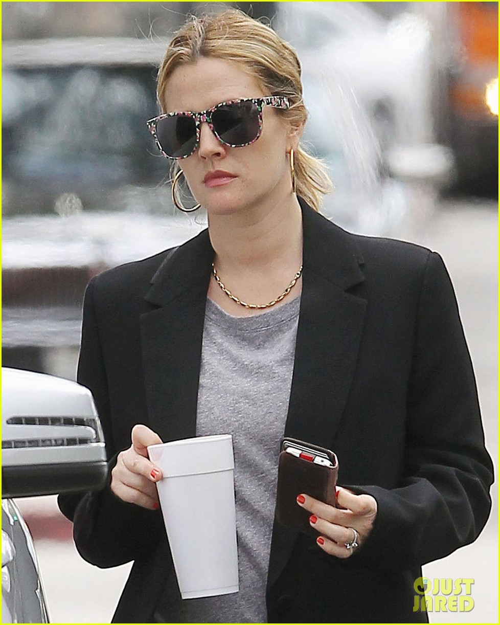 drew barrymore leaving office 072654196