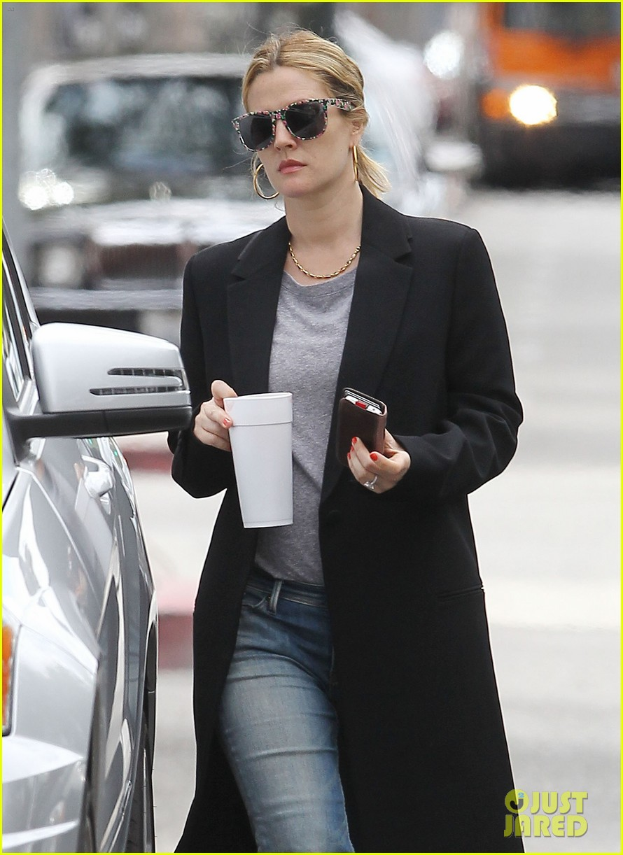 drew barrymore leaving office 08