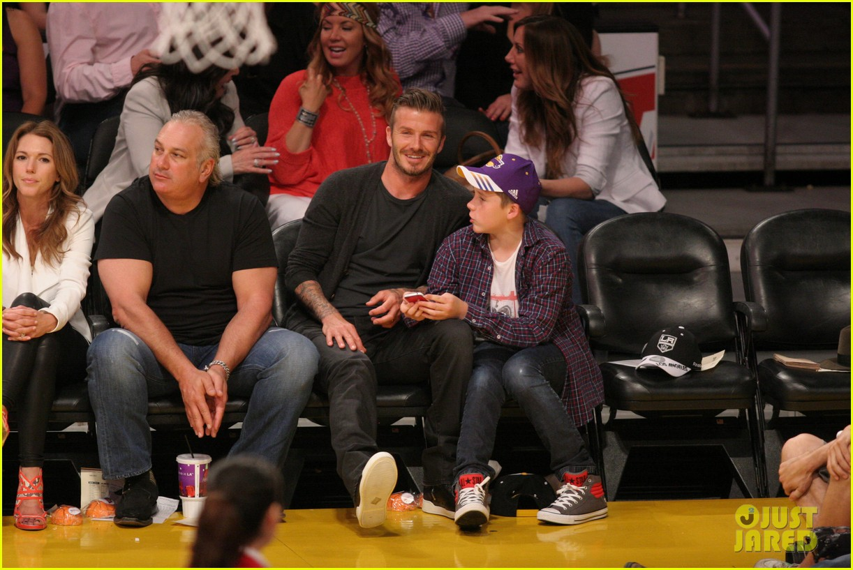 beckham son laker game 03