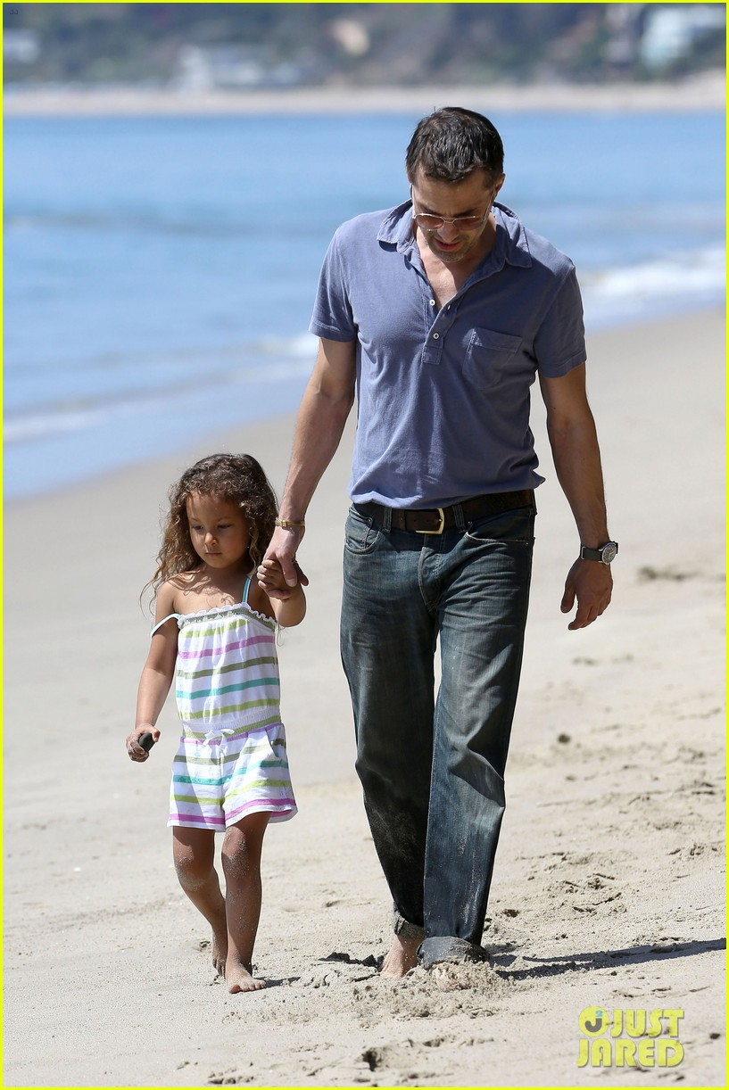 halle berry olivier martinez malibu beach time with nahla 072646508