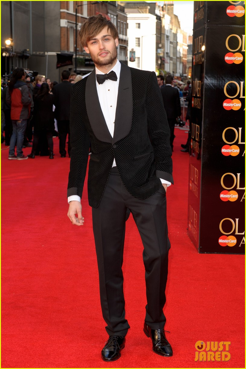 douglas booth james mcavoy olivier awards 032649654