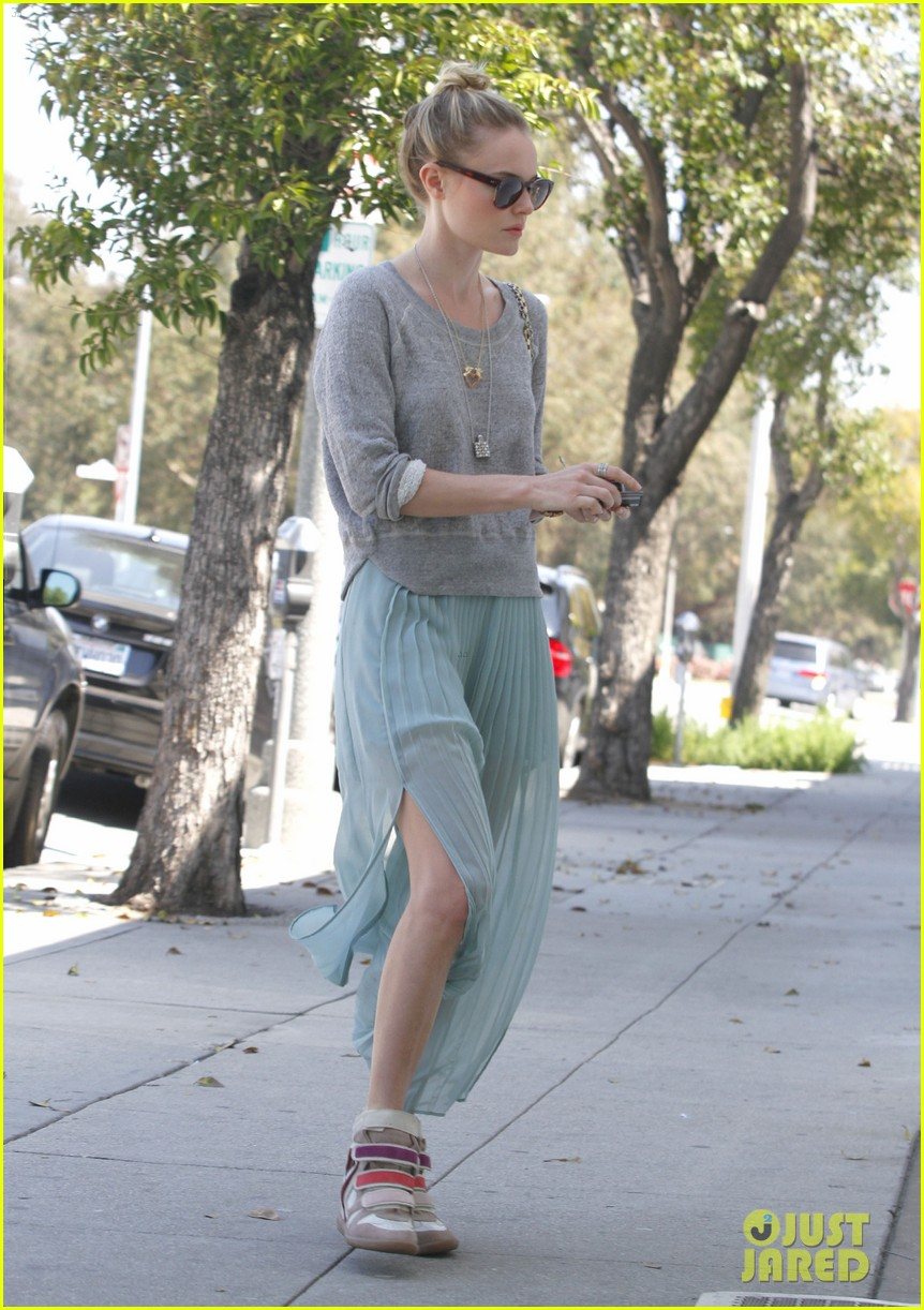 kate bosworth sneakers 05