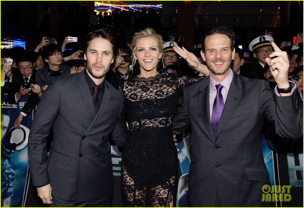 brooklyn decker battleship south korea premiere 062645421