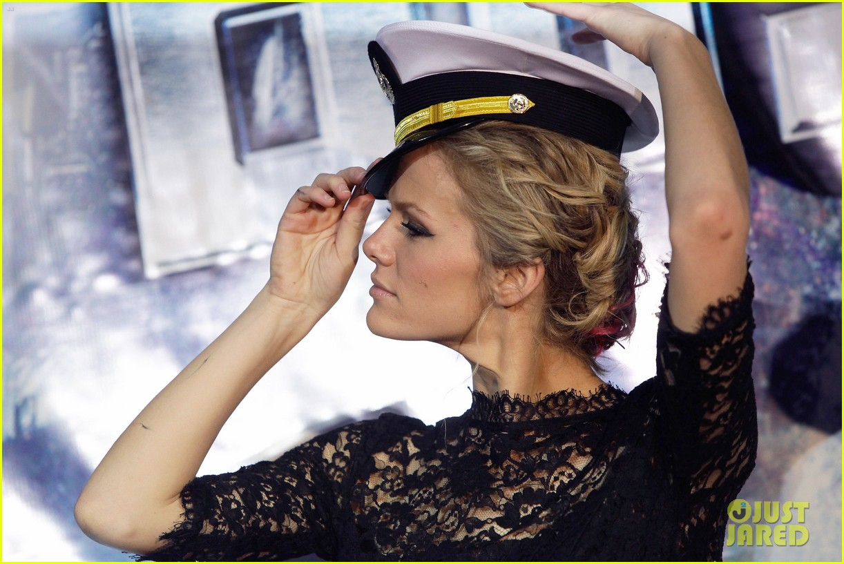 brooklyn decker battleship south korea premiere 202645435
