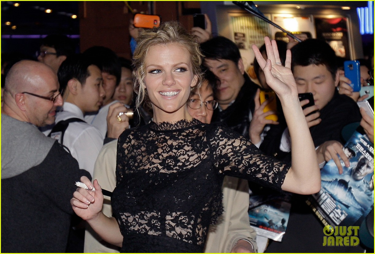 brooklyn decker battleship south korea premiere 252645440