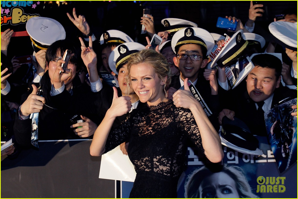 brooklyn decker battleship south korea premiere 272645442