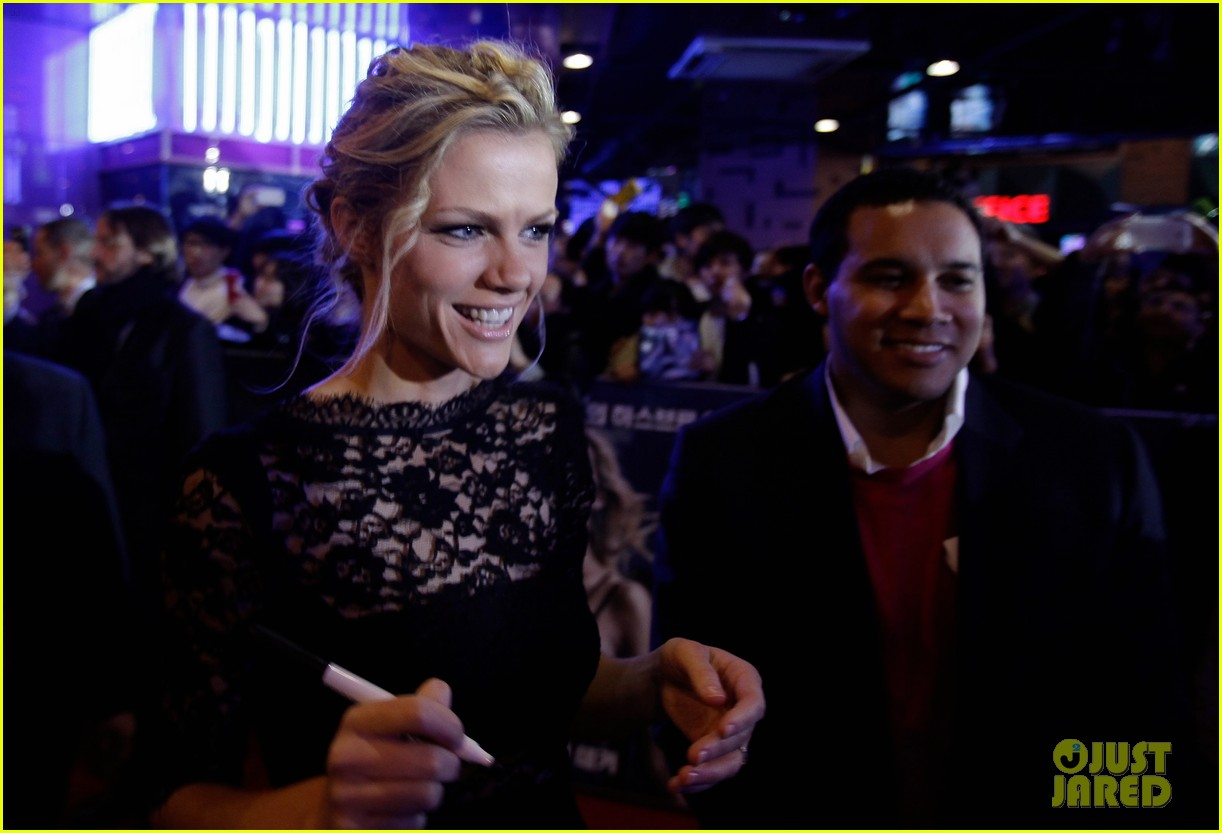 brooklyn decker battleship south korea premiere 292645444