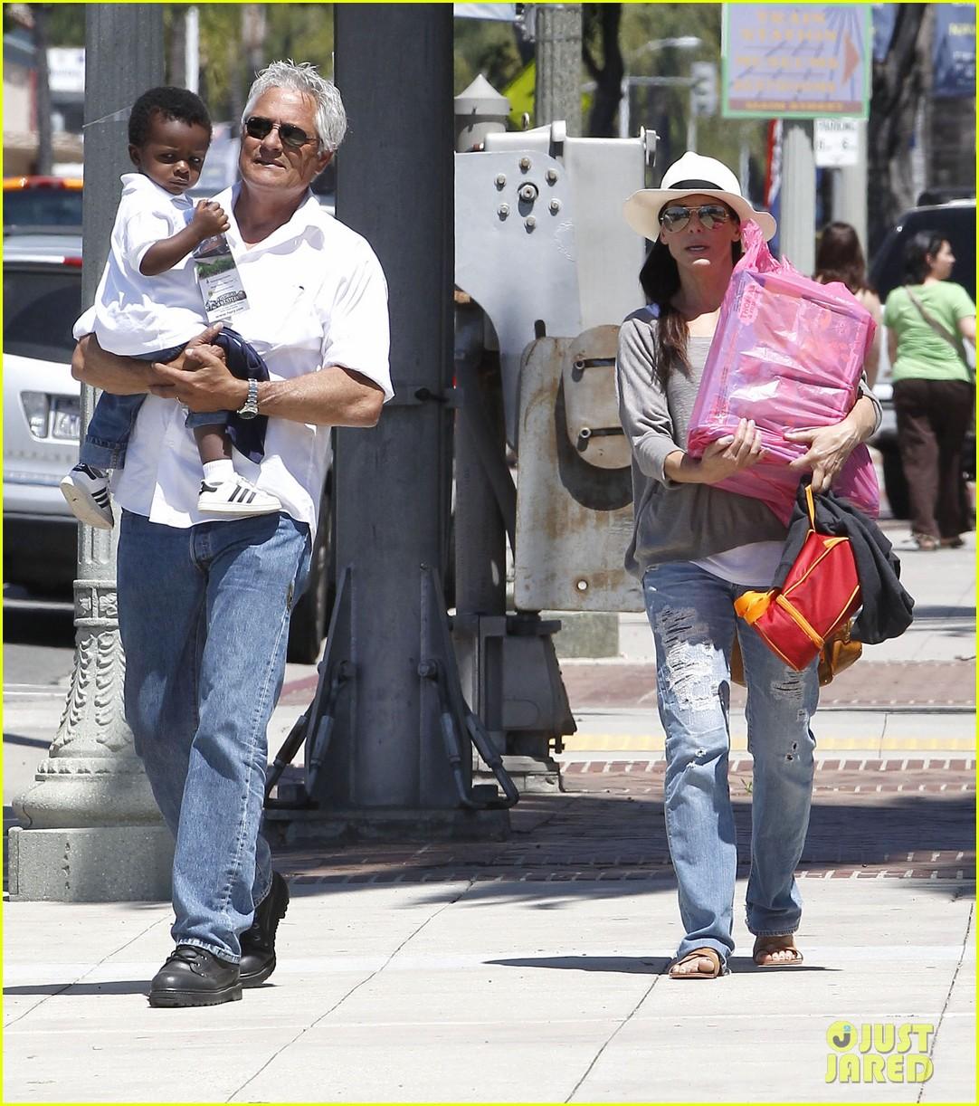 Sandra Bullock: Day Ou...