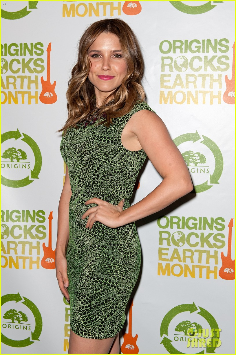 sophia bush origins rocks earth month concert 032650797