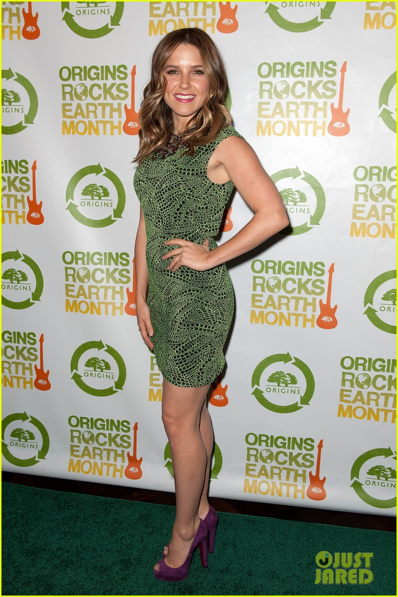 sophia bush origins rocks earth month concert 102650804