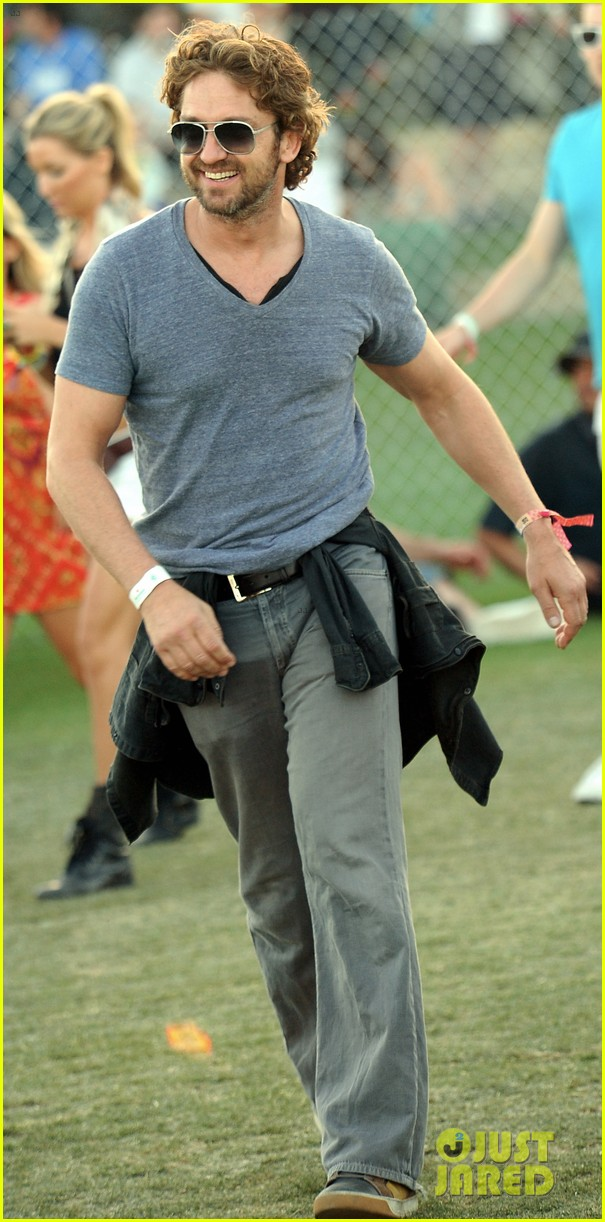gerard butler coachella day three 03