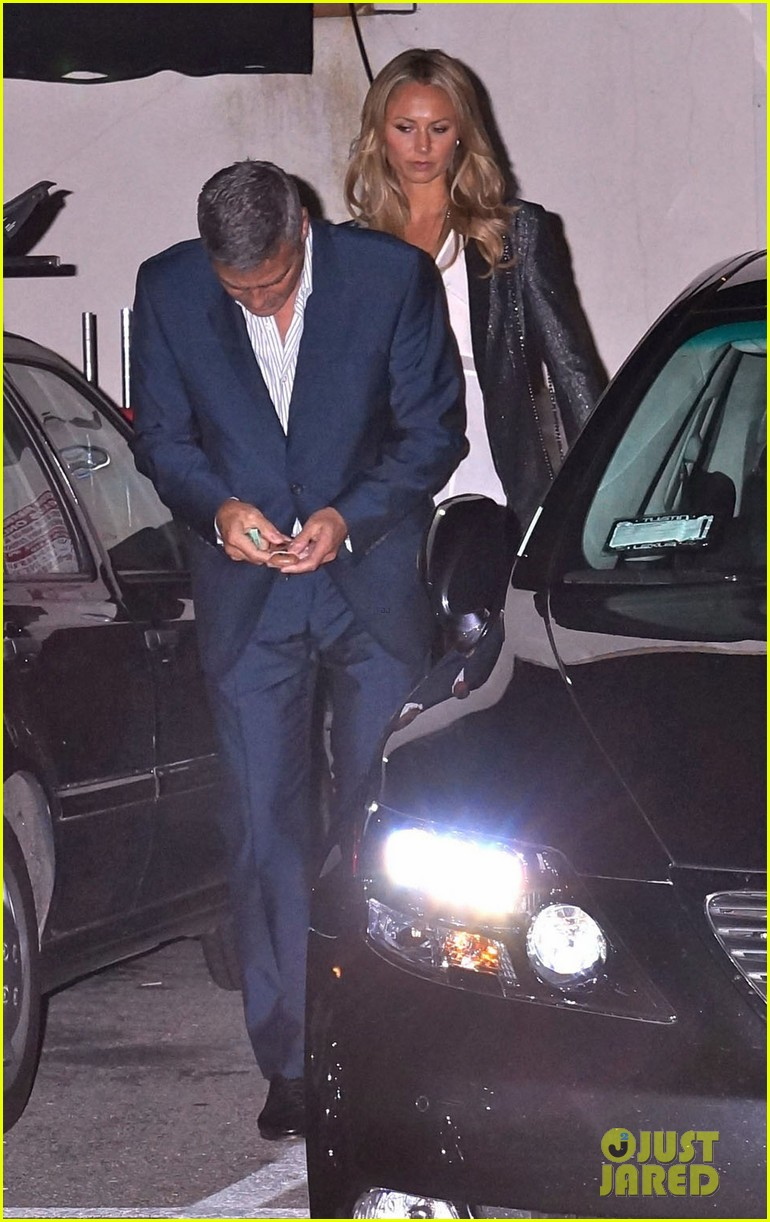 george clooney stacy keibler craigs bar grill date night 032654202