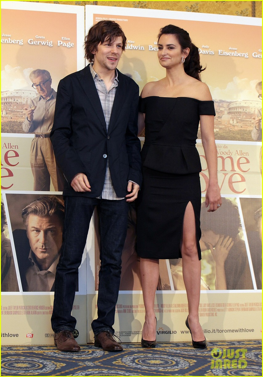 penelope cruz to rome with love photocall 032648514